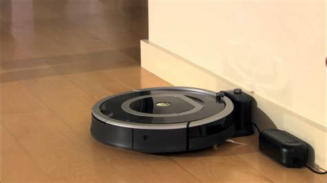 How To Charge & Store Battery | Roomba® 700 series