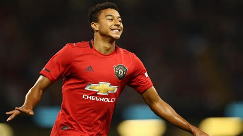 Source claims Man Utd have slashed midfielder's price to €