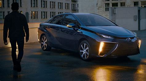 Toyota doubles down on hydrogen with 2nd-gen Mirai's 2020