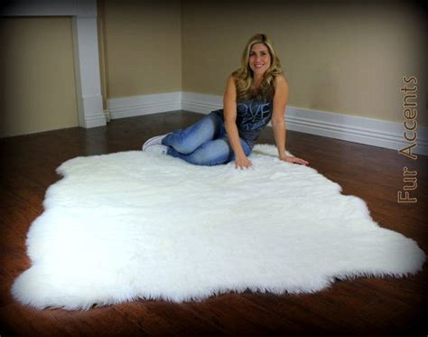Large 8ft Fleece Accent Rug / Faux Fur / Fake Sheein