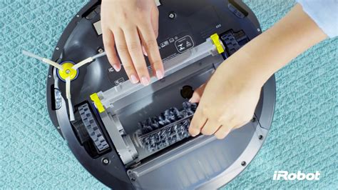 Replacing the Cleaning Brush for iRobot Roomba® 681 Robot