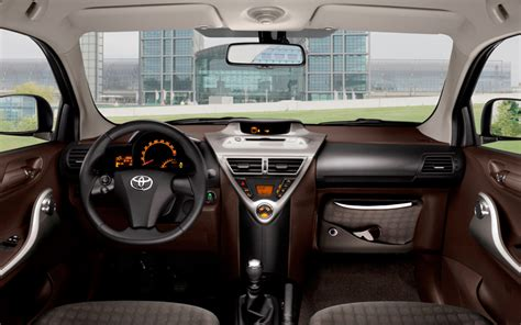 2009 Toyota iQ: First of a New Small-Car Family - Auto